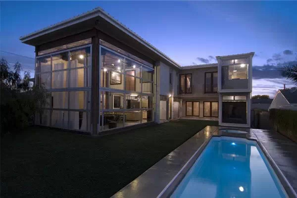 买不起房子 可以买个集装箱当浪漫的家!