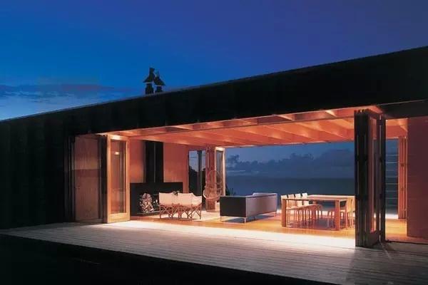 在海边造个这样的小房子,吹着海风,感觉一定棒~